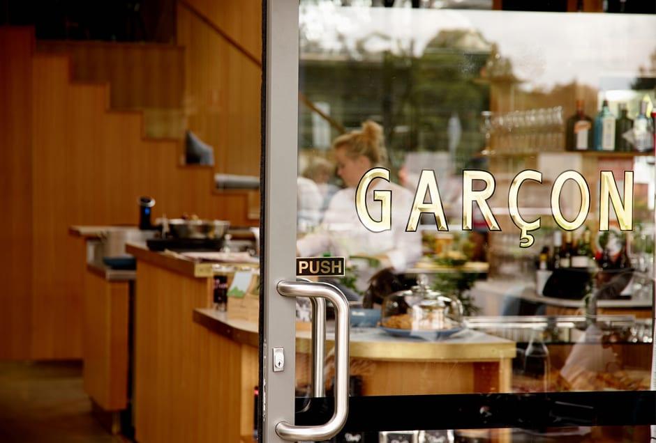 COFFEE_Garcon2