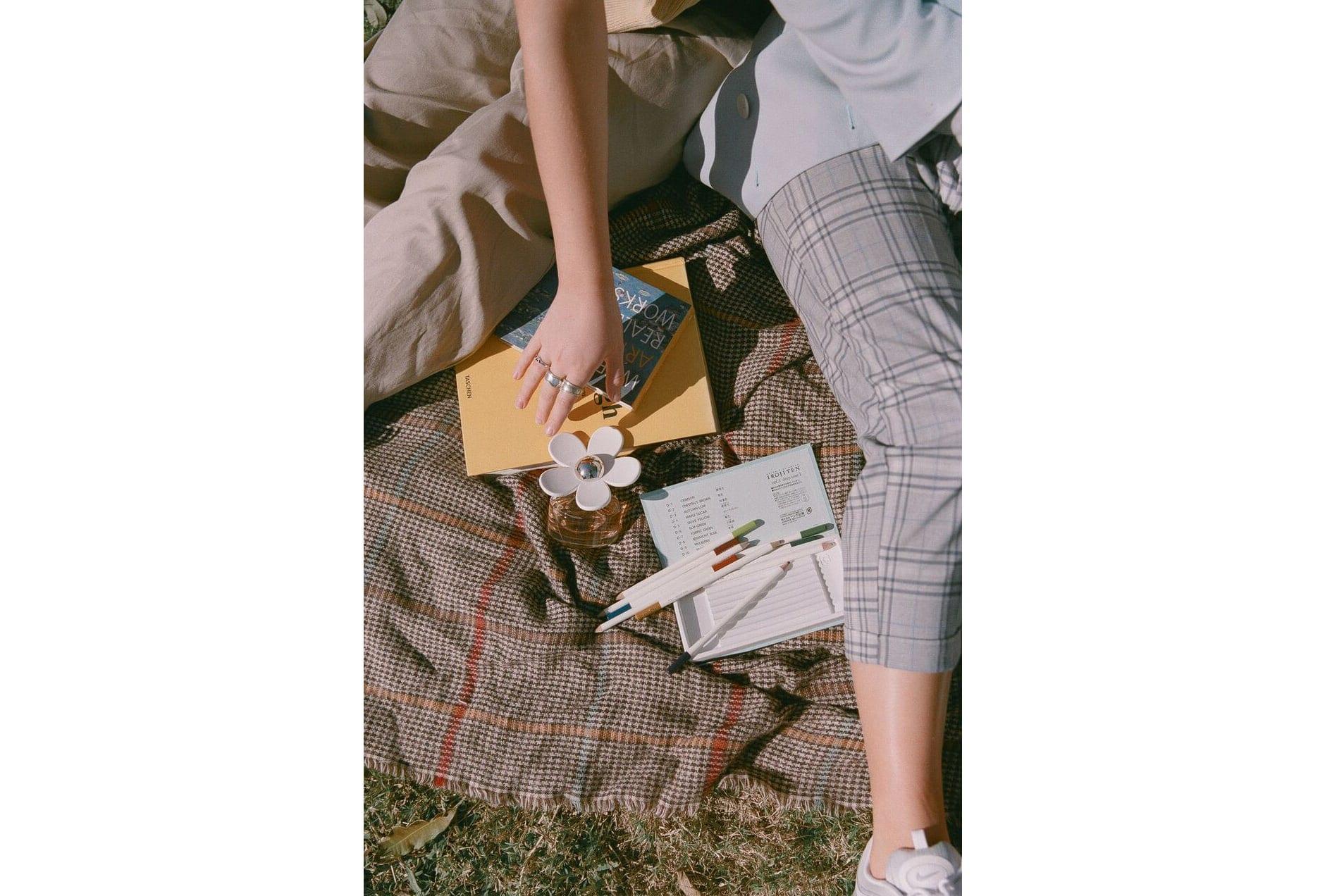MARC-JACOBS-DAISY_7-min