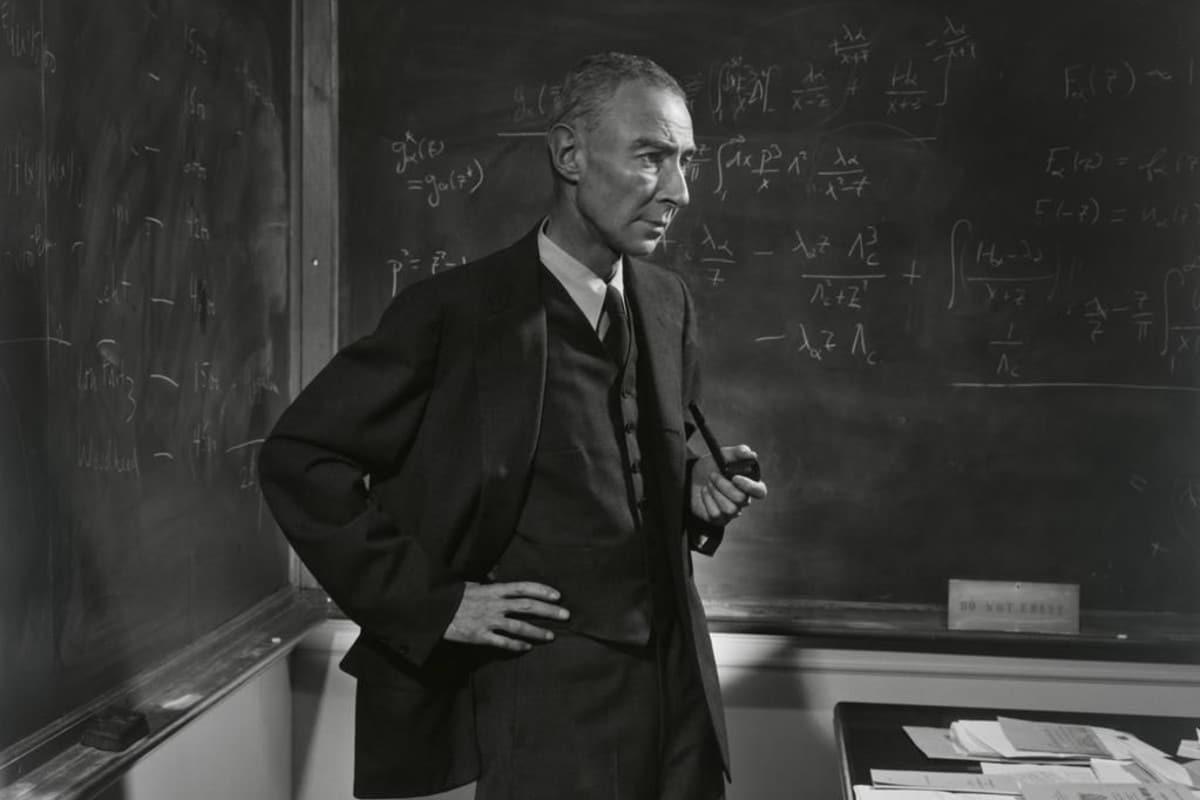 Oppenheimer Christopher Nolan